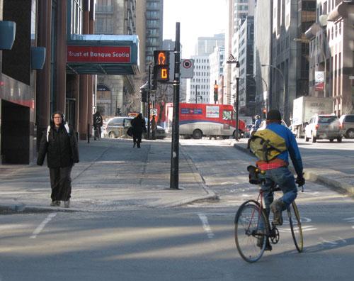 05-caminhada-centro-montreal